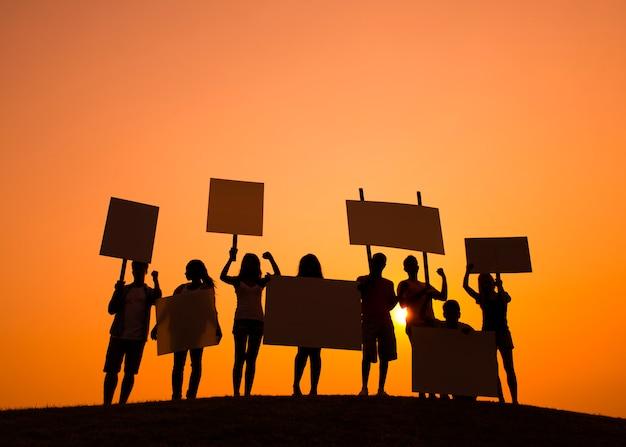 Pessoas, segurando, sinais, para, greve
