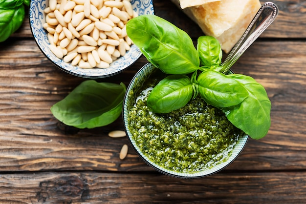 Pesto italiano típico