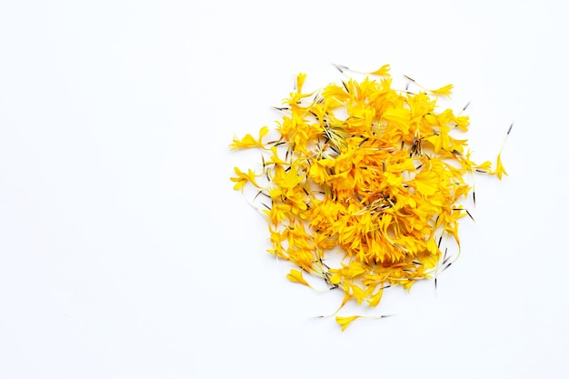 Pétalas de flores de calêndula.
