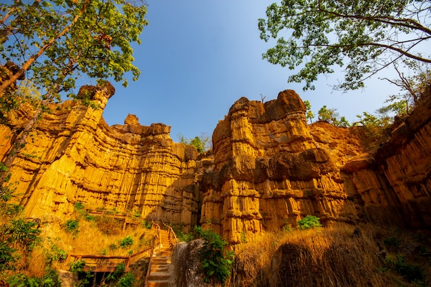 Pha chau, grand canyon no parque nacional de mae wang no chiangmai tailândia.