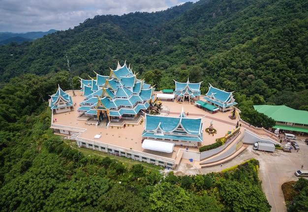 Phukon udonthani do pa de wat do templo em tailândia. (domínio público ou tesouro do budismo)