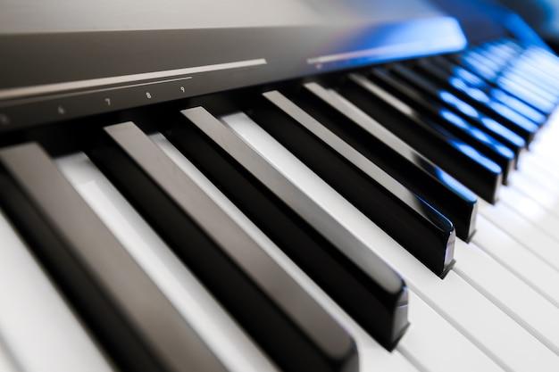 Piano e teclado de piano