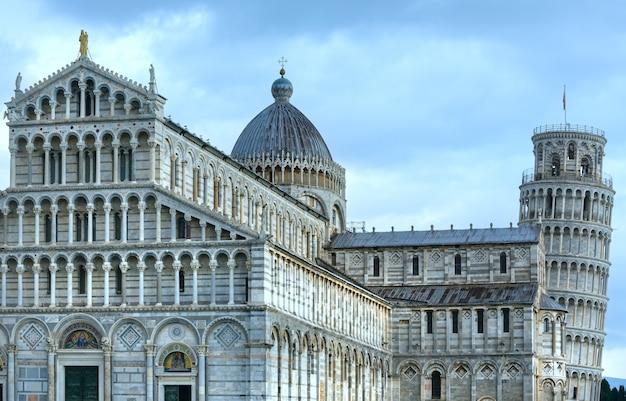 Piazza dei miracoli catedral de pisa ou duomo de santa maria assunta