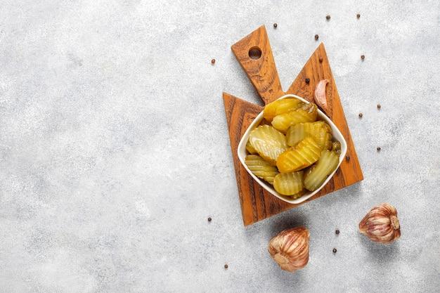 Pickles mistos deliciosos e orgânicos caseiros.