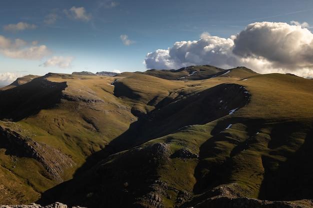 Pico de txindoki com excelentes vistas para todo o país basco.