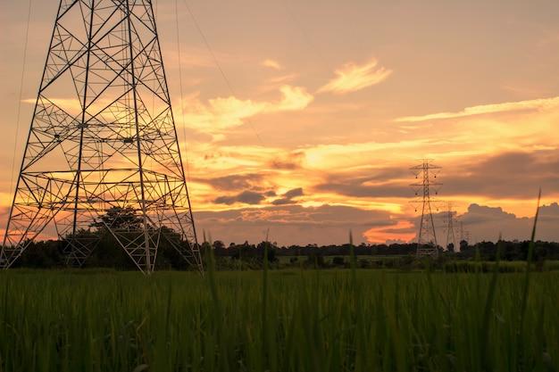 Pilão de alta potência com pôr do sol