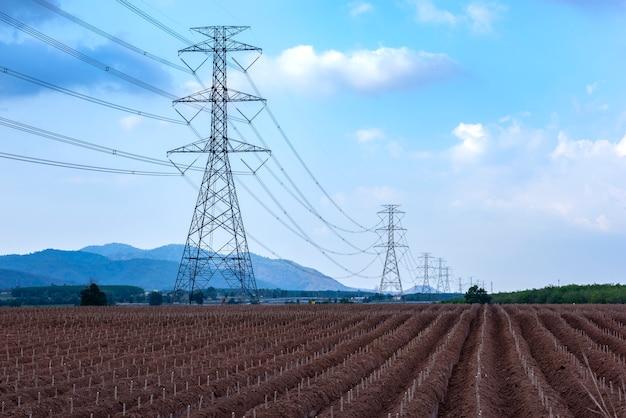 Pilão de transmissão de eletricidade linha de torre elétrica de alta tensão
