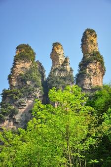 Pilar de arenito de quartzo em zhangjiajie, na china