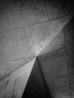 Pilar de concreto em tons de cinza
