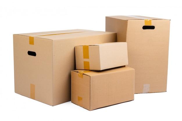 Pilha de caixas de papelão isoladas
