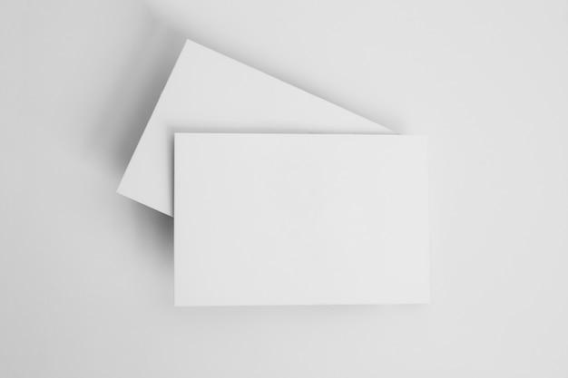 Pilha de cartões de visita em branco