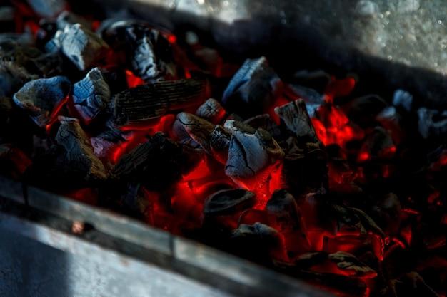 Pilha de carvão quente