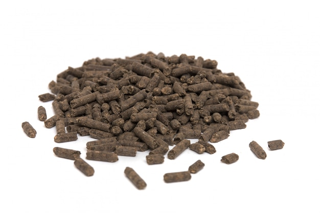 Pilha de fertilizante orgânico comprimido.
