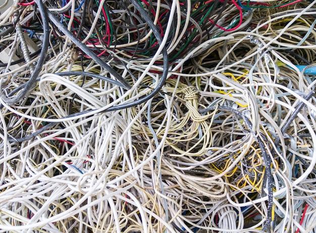 Pilha de fio elétrico.