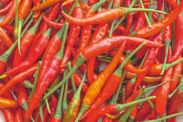 Pilha de fundo de pimentões vermelhos