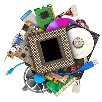 Pilha de hardware de computador isolada no branco
