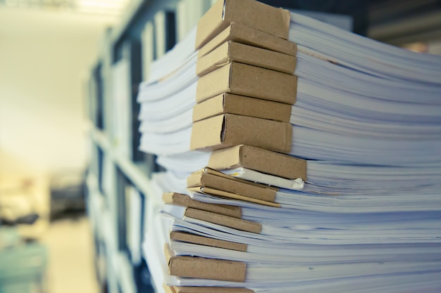 Pilha de imagem de documentos.