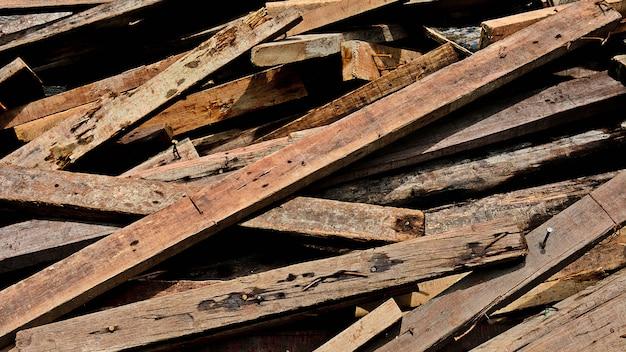 Pilha de lascas de madeira velhas - fundo