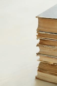 Pilha de livros antigos, conceito de literatura