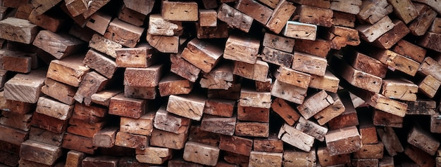 Pilha de madeira, matéria-prima de fundo para construção