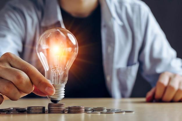 Pilha de moedas economiza energia para salvar a terra