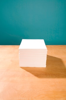 Pilha de papel branco