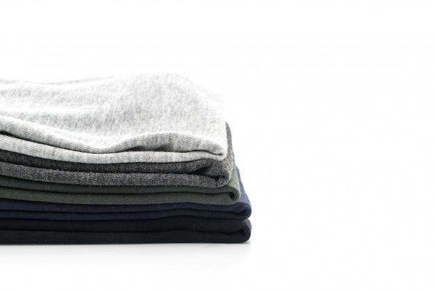 Pilha de roupas em branco