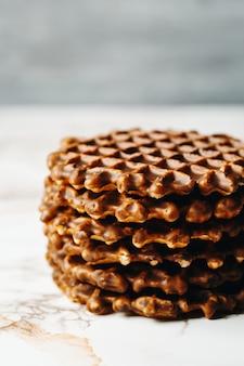 Pilha de waffles caseiros close-up