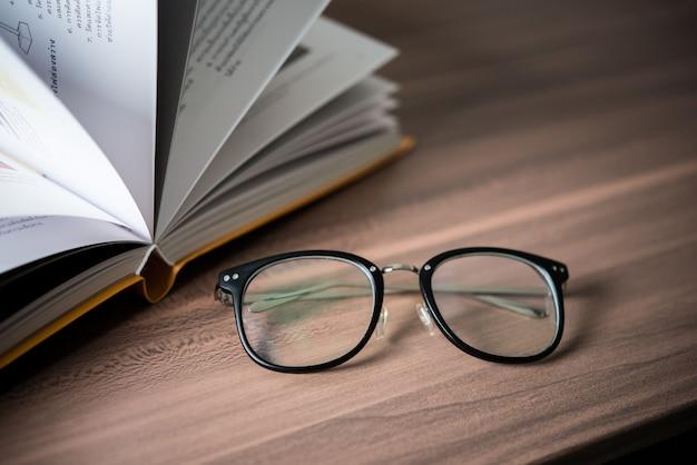Pilha lida livro de livros