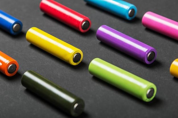 Pilhas alcalinas cores sortidas