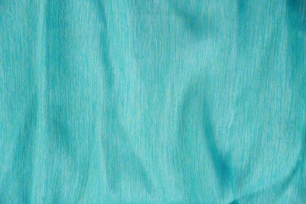 Pilhas de seda tailandesa em várias cores
