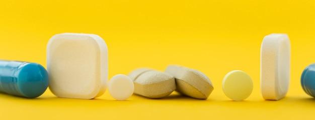 Pílulas diferentes close-up