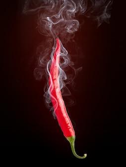 Pimenta quente com fumaça