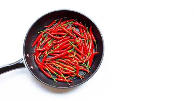 Pimenta quente em uma panela