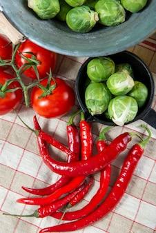 Pimenta vermelha com couve de bruxelas