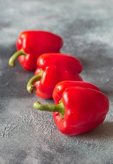 Pimentos vermelhos frescos close-up