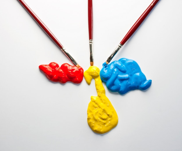 Pincéis com cores