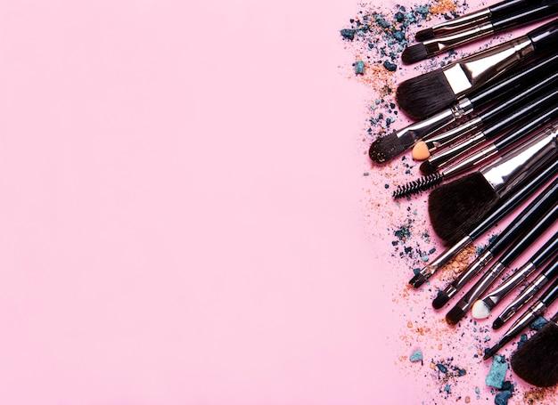 Pincéis de maquiagem diferentes
