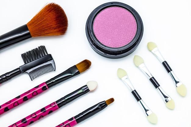 Pincéis e cosméticos