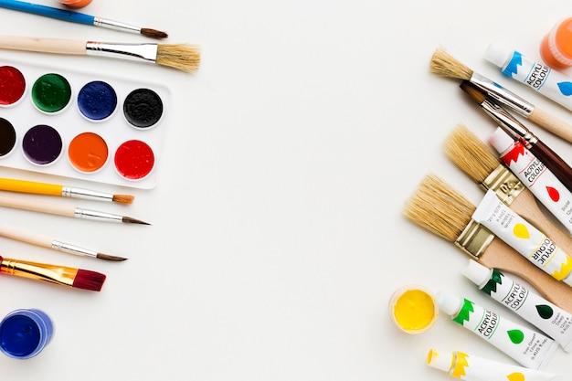 Pincéis e pintura conceito de arte