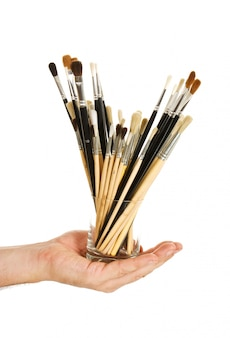 Pincel para desenhar na mão isolado na superfície branca