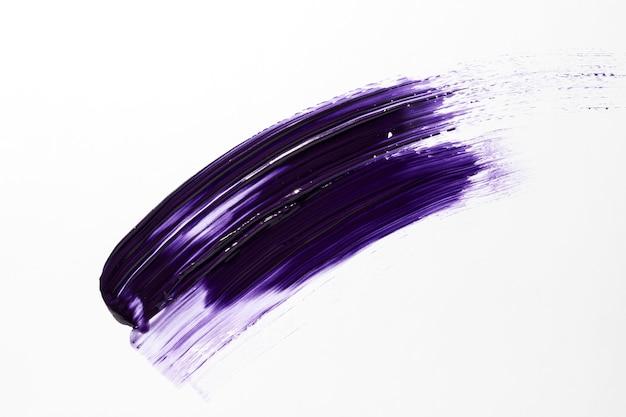 Pincelada de tinta roxa