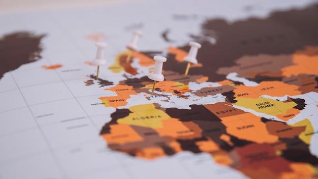 Pins no mapa
