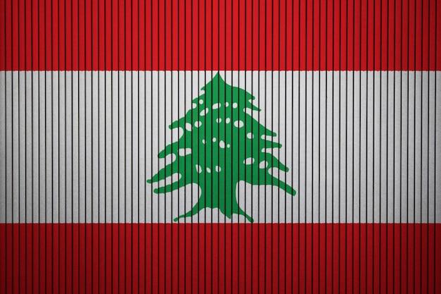 Pintado a bandeira nacional do líbano em um muro de concreto