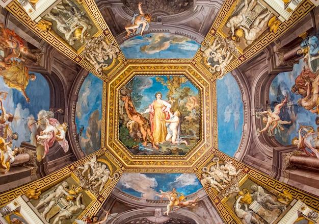 Pintando tectos (frescos) no museu do vaticano