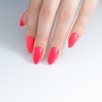 Pinte suas unhas. verniz para unhas, revestimento em gel