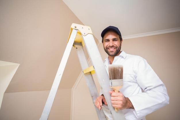 Pintor, sorrindo, ficar, escada