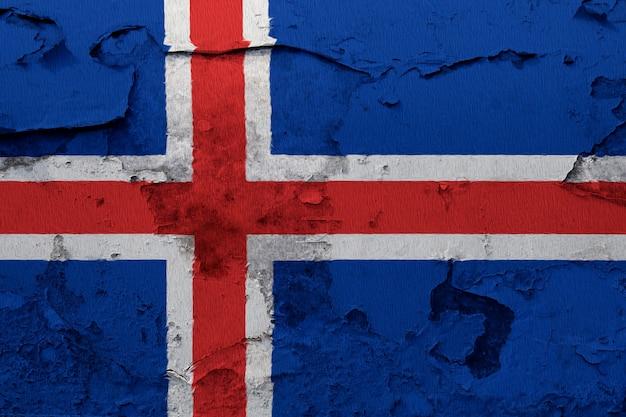 Pintou a bandeira nacional da islândia em uma parede de concreto