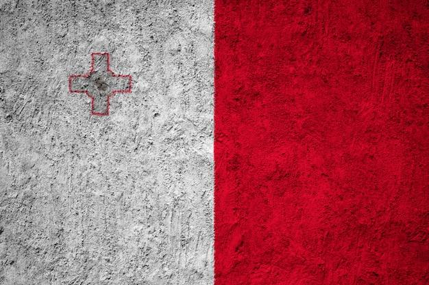 Pintou a bandeira nacional de malta em uma parede de concreto
