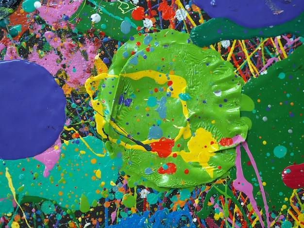 Pintura a óleo tirada mão. pintura a óleo na lona. fundo de cor multi.